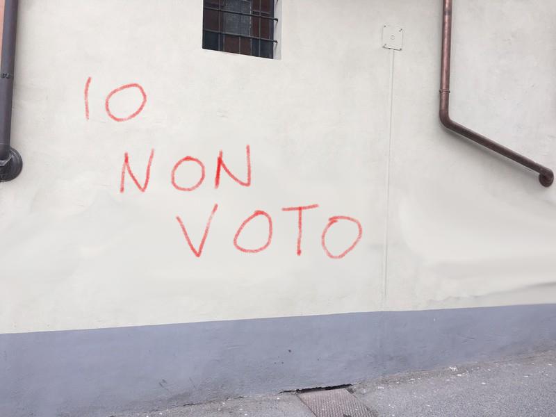 Siciliani stanchi del voto. 1 su 2 sceglie di astenersi