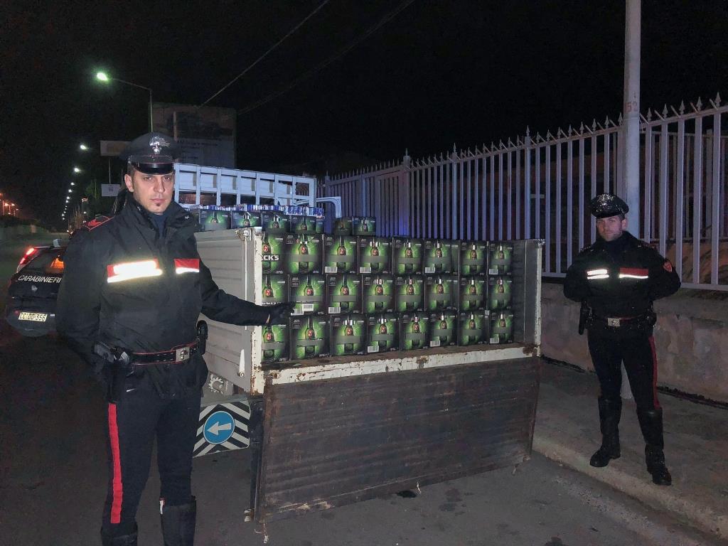 Droga, due fermati dai Carabinieri in piazza della posta