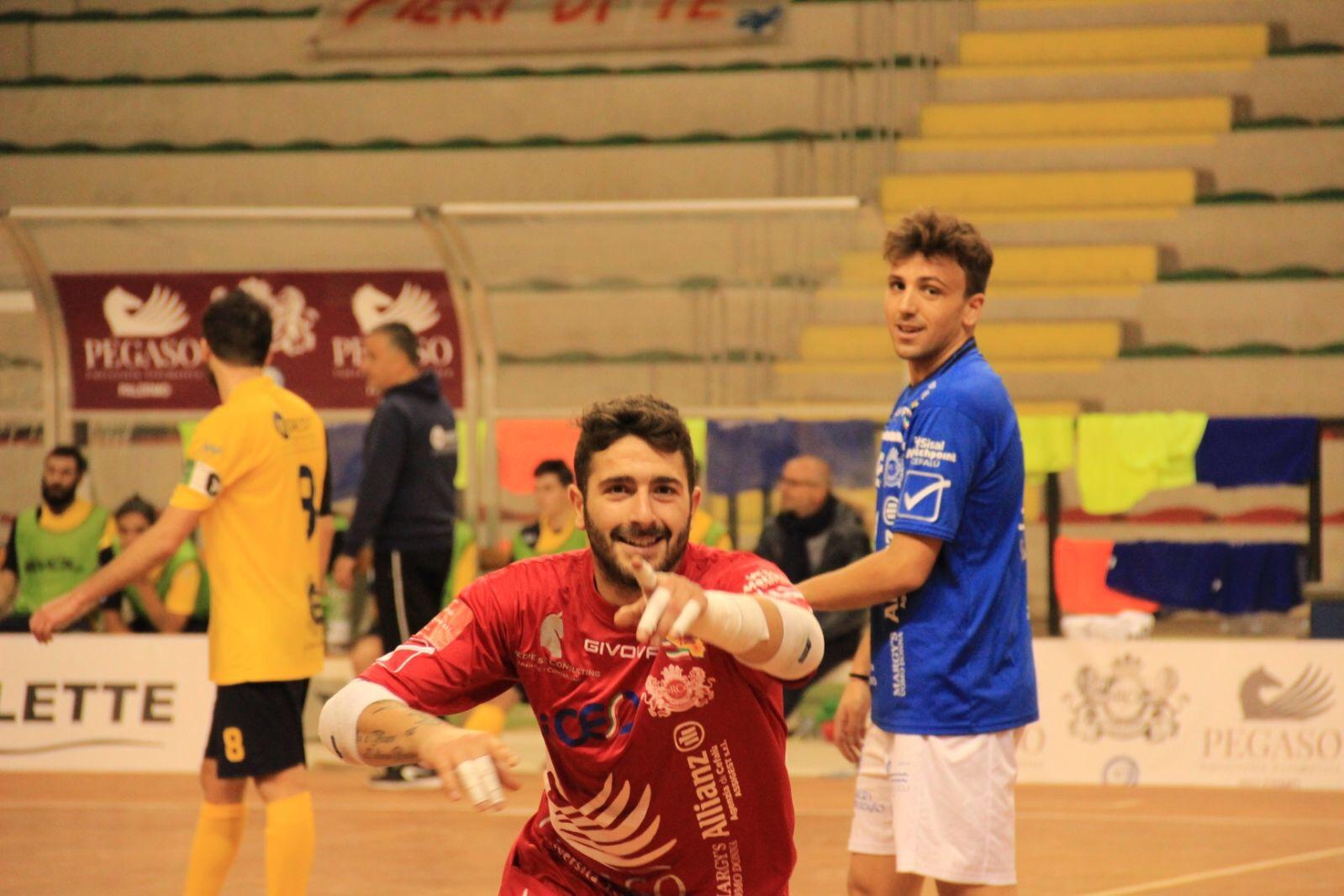 """Domani il big match tra Real Cefalù e Real Rogit. Montefalcone """"Abbiamo ancora fame!"""""""