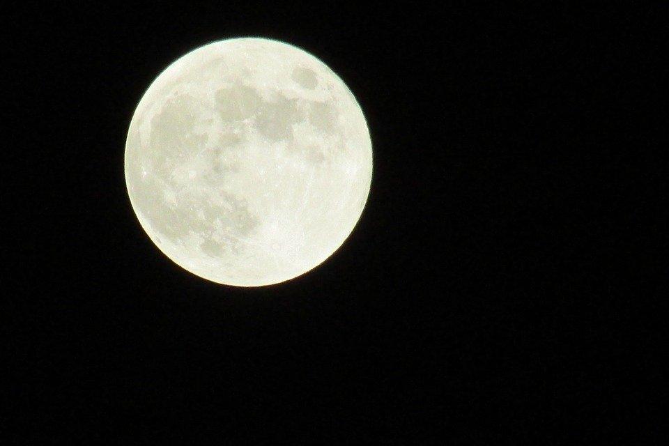 Stanotte la Superluna, spettacolo assicurato ovunque