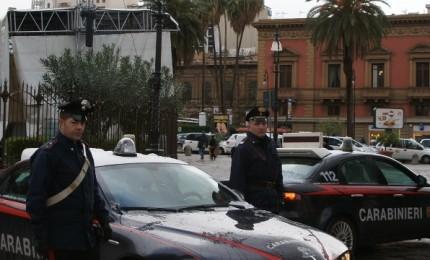Aggressione e rapina in centro, ma intervengono i Carabinieri