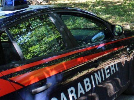 Resuttano, 50enne in manette per tentato omicidio Auto-carabinieri-470x353