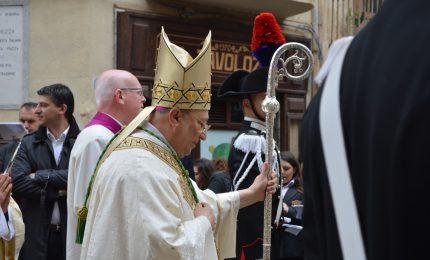 """Cefalù, il vescovo Marciante: """"Fermiamo l'esodo dei giovani"""""""