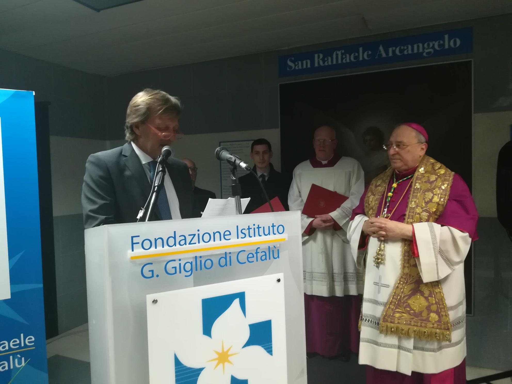 Cefalù, il nuovo vescovo all'ospedale Giglio