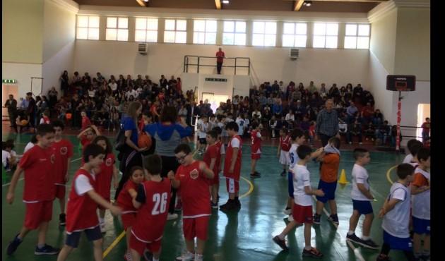 Centinaia di giovani sportivi presenti alla festa del basket provinciale a Termini Imerese -FOTO E VIDEO