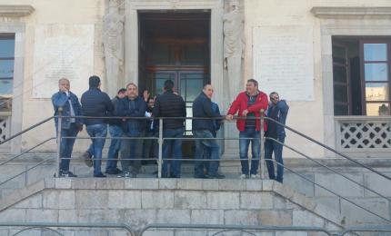 Occupato il comune di Termini Imerese: riparte la protesta degli ex operai Fiat