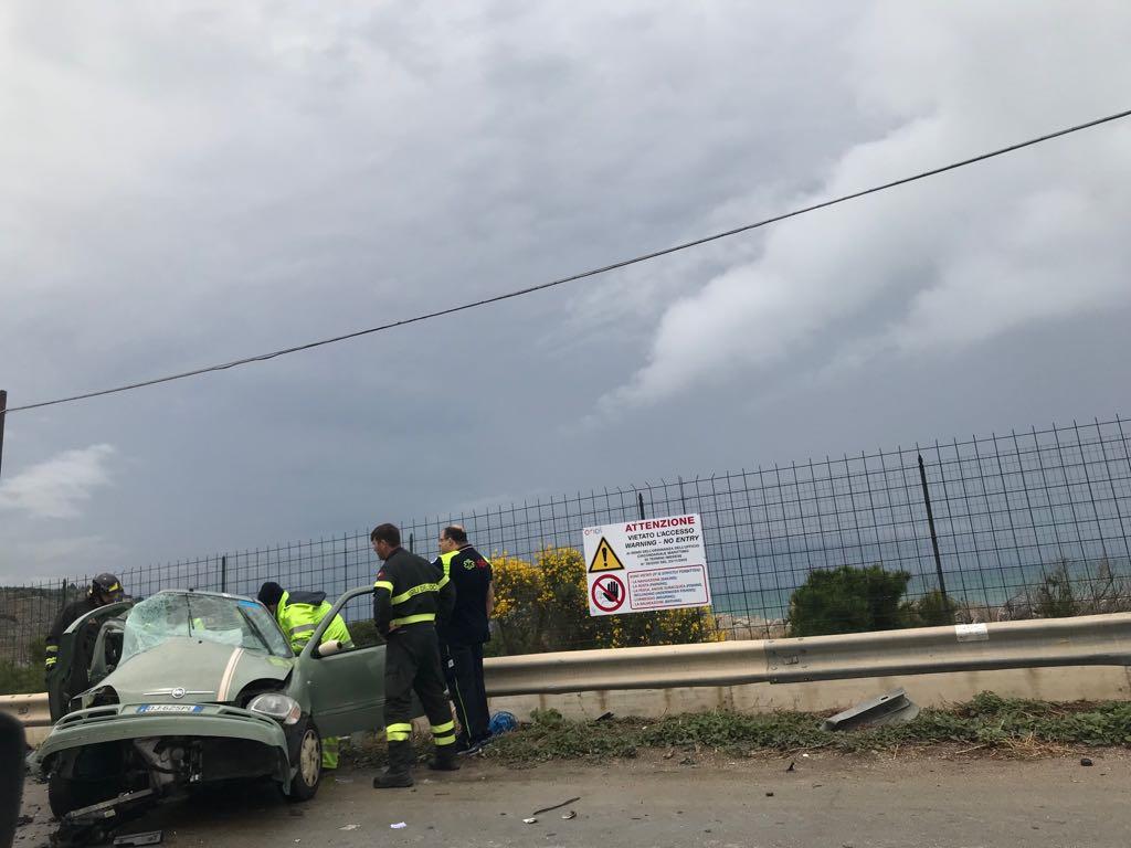 Drammatico incidente nella statale 113, un uomo ricoverato in gravissime condizioni