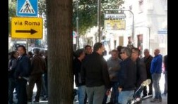 Ex Fiat: protestano davanti la Prefettura di Palermo gli operai Blutec e del suo indotto FOTO