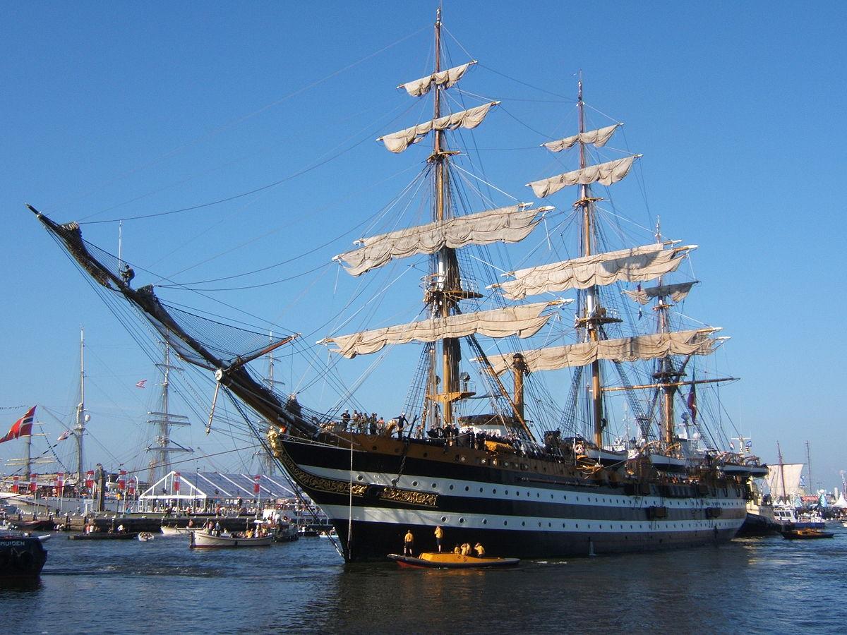 """In arrivo a Palermo """"la regina del mare"""", la nave Amerigo Vespucci"""