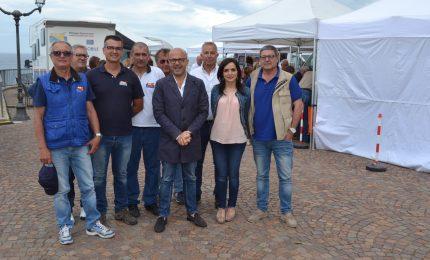 Grande afflusso per l'Asp in piazza a Finale di Pollina
