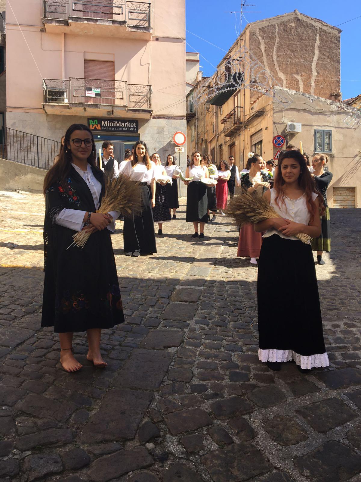 Pollina, San Giuliano e l'antico rito della processione della farina