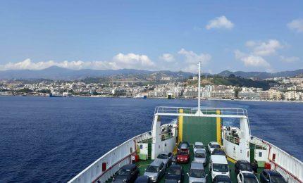 Esodo di Ferragosto: tre ore di coda agli imbarchi per Messina