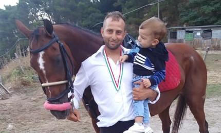 Antonio, cavaliere papà, ha vinto la Giostra dei Ventimiglia