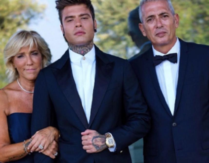 Continua a far discutere il matrimonio di Fedez e Chiara Ferragni nella splendida tenuta della Balze
