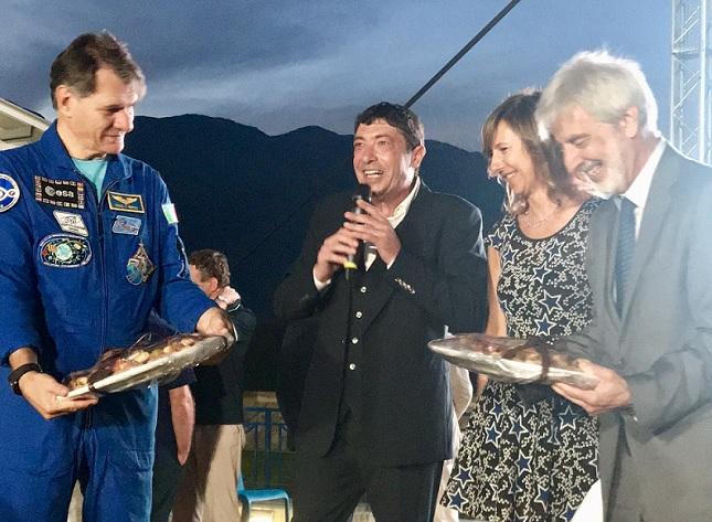 Gal Hassin, premiati l'astronauta Nespoli e lo scrittore Bianucci