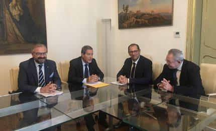 Confcommercio a Musumeci: facciamo ripartire la Sicilia