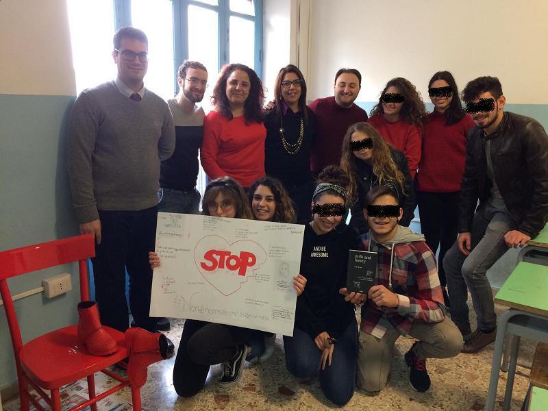 Scuole Rosmini e Padre Pio in prima linea contro la violenza sulle donne