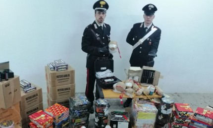 Botti e petardi illeciti, Carabinieri rinvengono deposito
