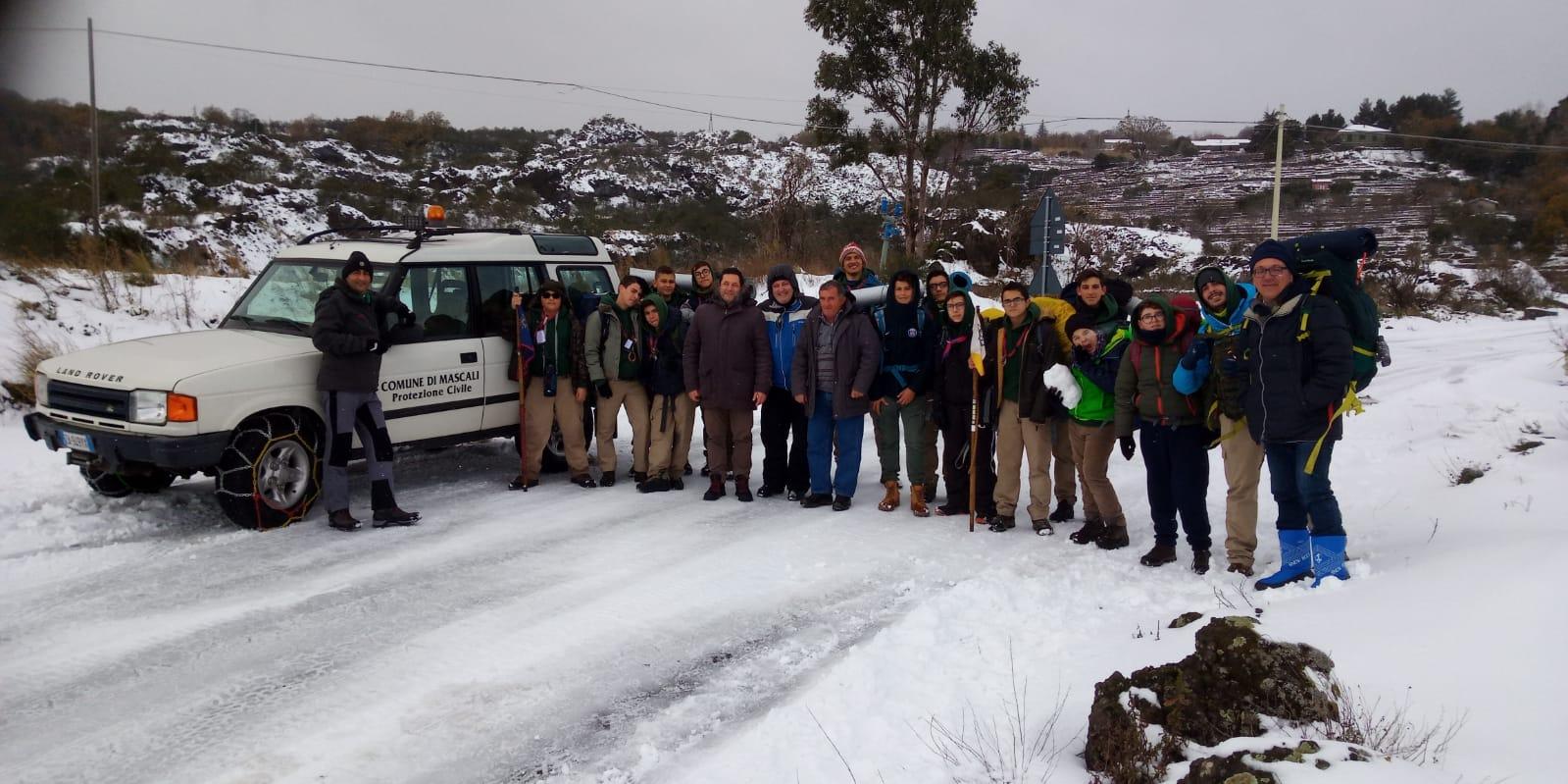 Tre dispersi sull'Etna e un gruppo di scout bloccati a causa della neve