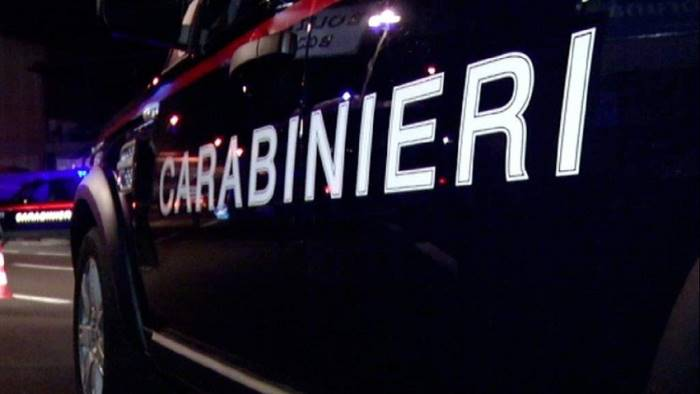 Pusher in fuga dai Carabinieri rischiano di investire passanti