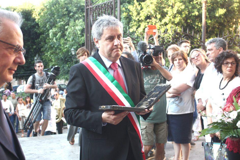 Mario Cicero scende in piazza
