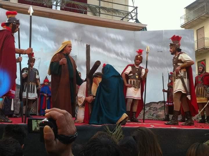 Settimana Santa a Resuttano, va in scena la Scinnenza