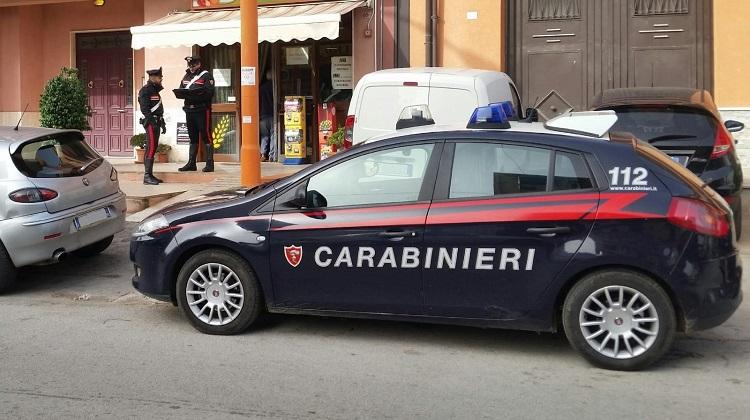 Rubano in un'area confiscata alla mafia, arrestati