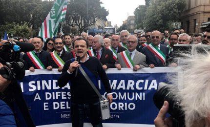 Ex province, De Luca consegna la fascia di sindaco della Città metropolitana