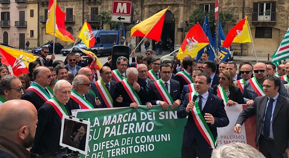 Ex province, la marcia dei sindaci su Palermo