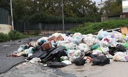 Sversamento rifiuti, arriva la proposta di un fondo per i comuni