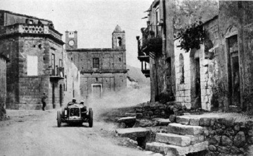 Campofelice di Roccella dà il benvenuto alla Targa Florio