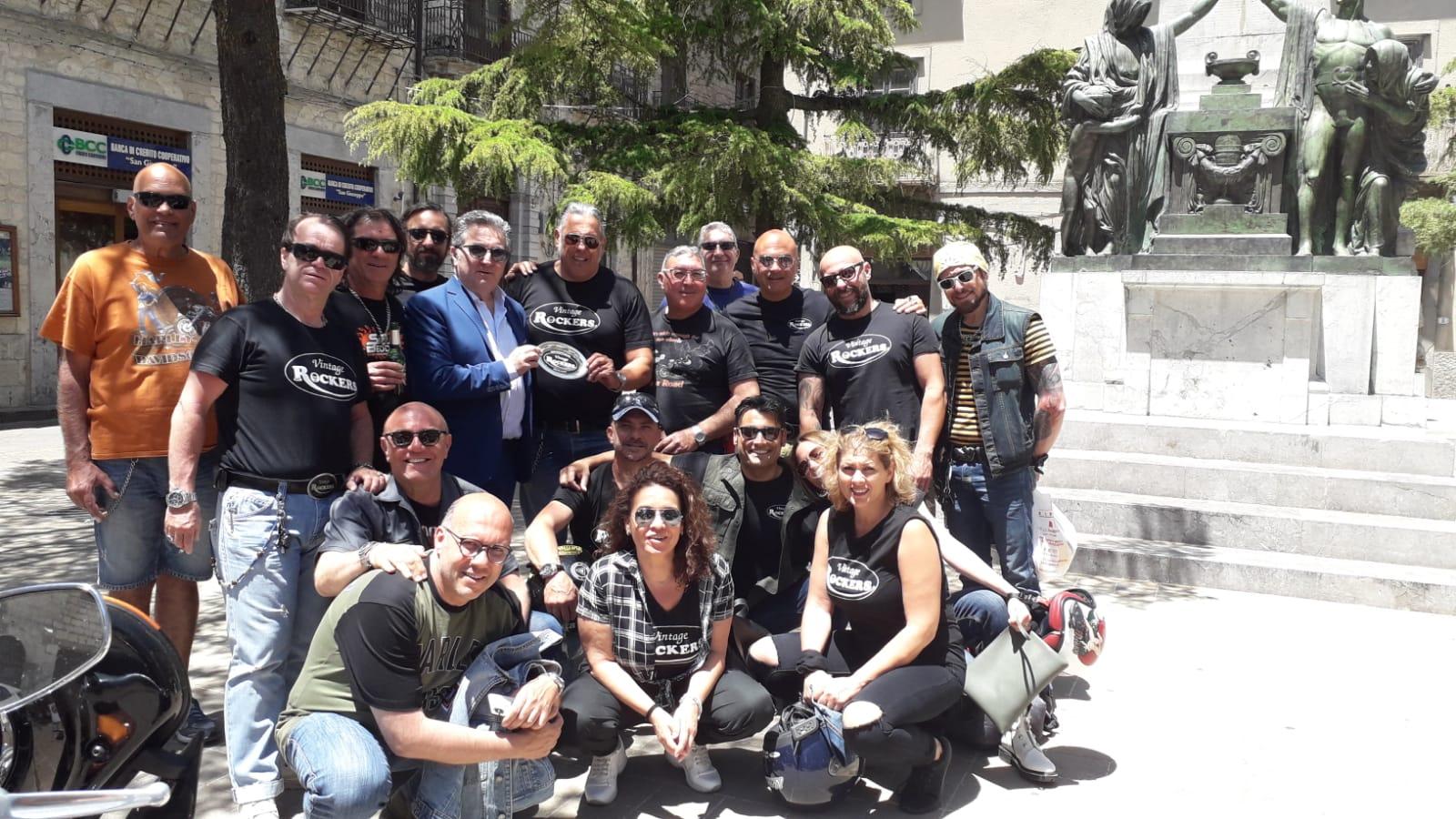 Petralia invasa da Harley Davidson