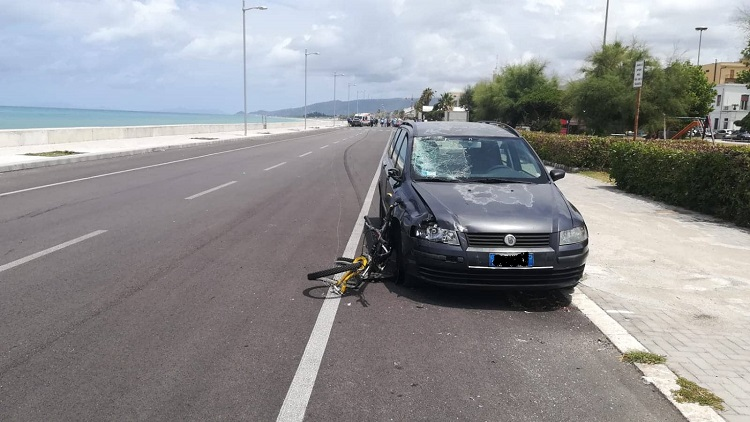 Ciclista perde la vita in un incidente