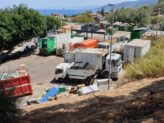 Cefalù, Guardia di Finanza mette i sigilli all'isola ecologica