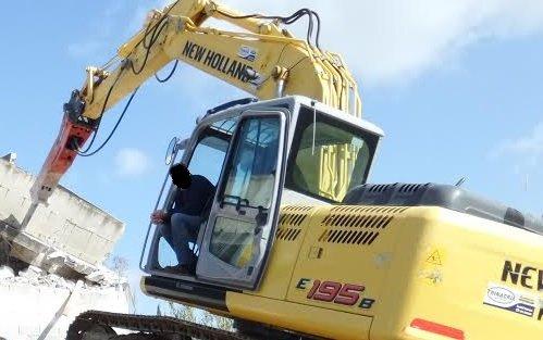 Demolito edificio abusivo a Cefalù