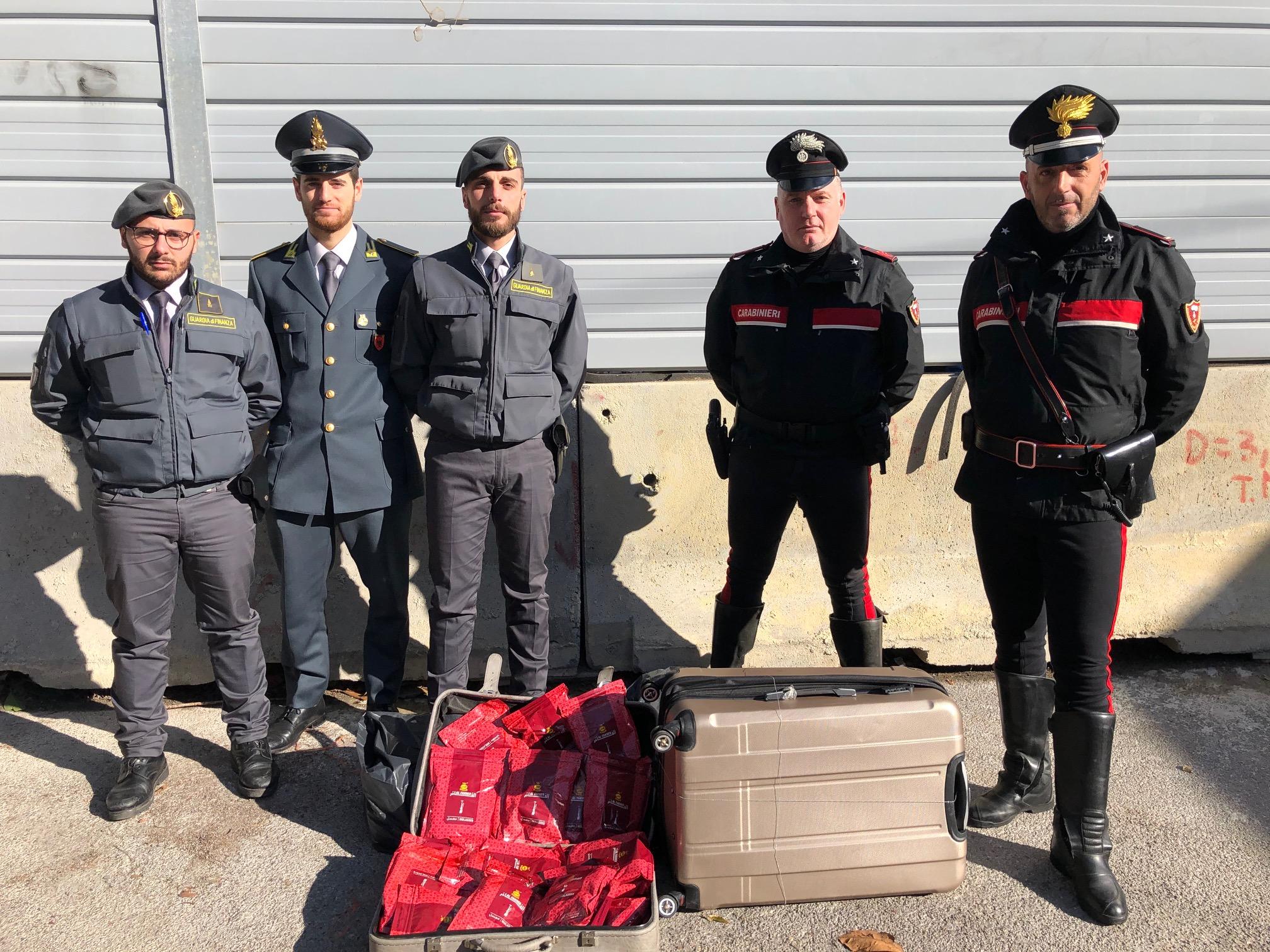 Palermo: Carabinieri e Guardia di Finanza sequestrano oltre un quintale di melassa di tabacco di contrabbando
