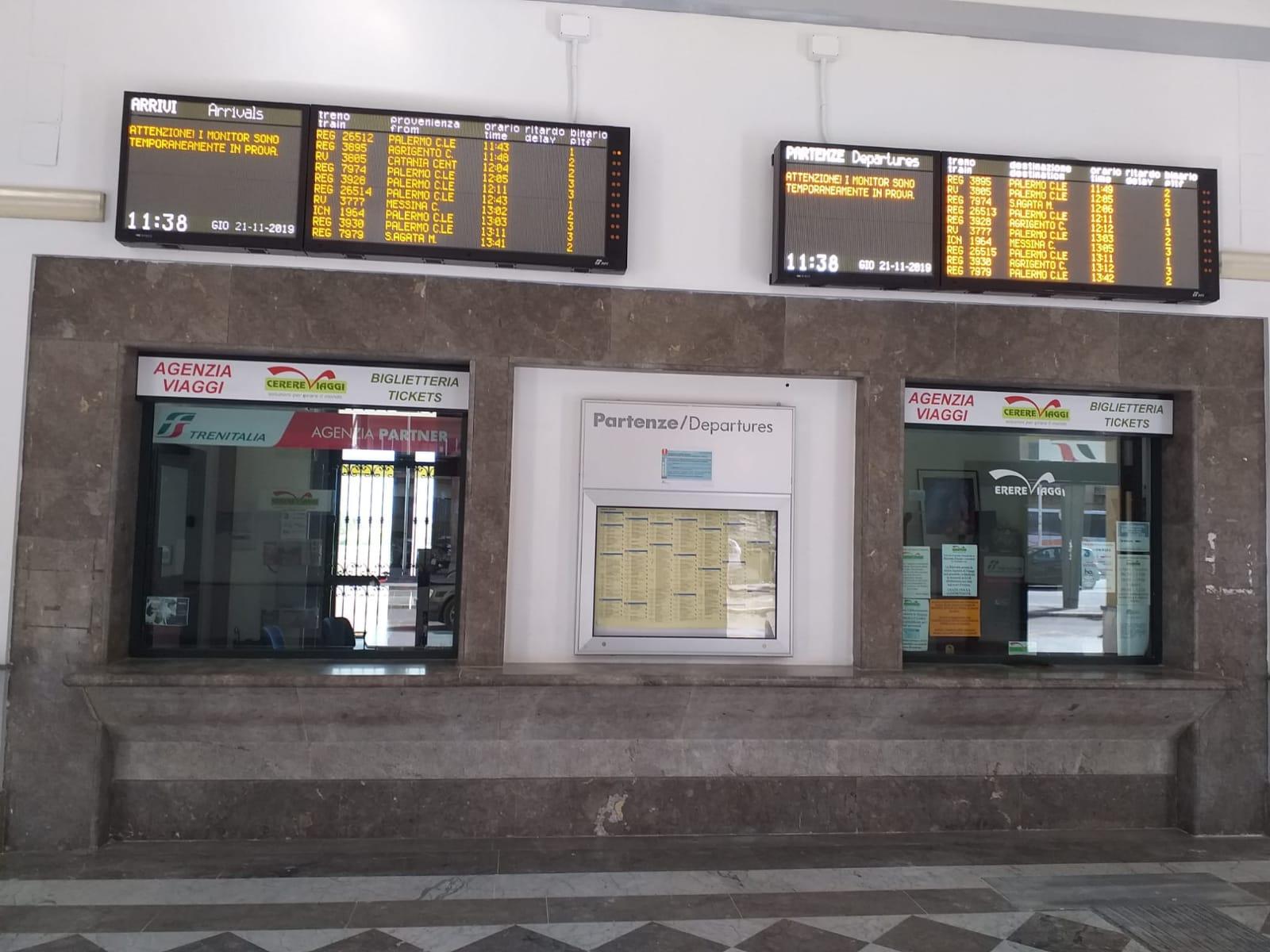 Operativi nuovi sistemi di informazione ai viaggiatori sulla linea ferroviaria Palermo-Messina