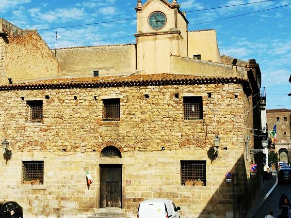Ancora chiusa la Torre dell'orologio lo denuncia il PD di Castelbuono