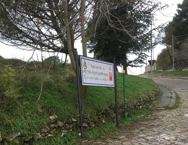 Avviati i lavori di sistemazione di alcuni tratti viari a Petralia Soprana