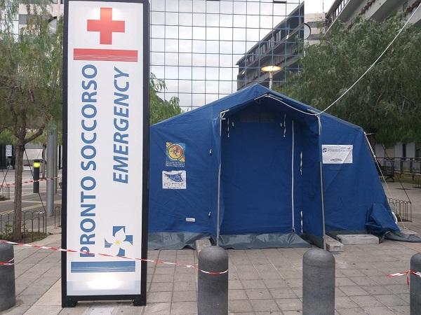 Coronavirus: installata al Giglio la tenda per il triage, negativi tutti i tamponi prelevati finora