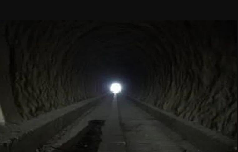 Coronavirus, l'Italia vede la luce in fondo al tunnel: cauto ottimismo e programmare ripartenza