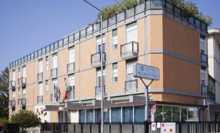 Coronavirus, peggiora il focolaio di Villa Maria Eleonora: blindata l'intera struttura