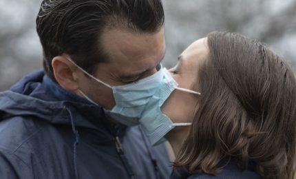 Fase 2 Coronavirus, si spengono le speranze per i 'semplici' fidanzati
