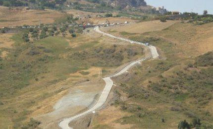 Viabilità, al via lavori sulla SP 24 Scillato - Caltavuturo - Sclafani Bagni: oggi la firma dell'On Cordaro