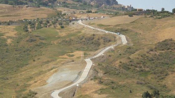 Viabilità, al via lavori sulla SP 24 Scillato – Caltavuturo – Sclafani Bagni: oggi la firma dell'On Cordaro