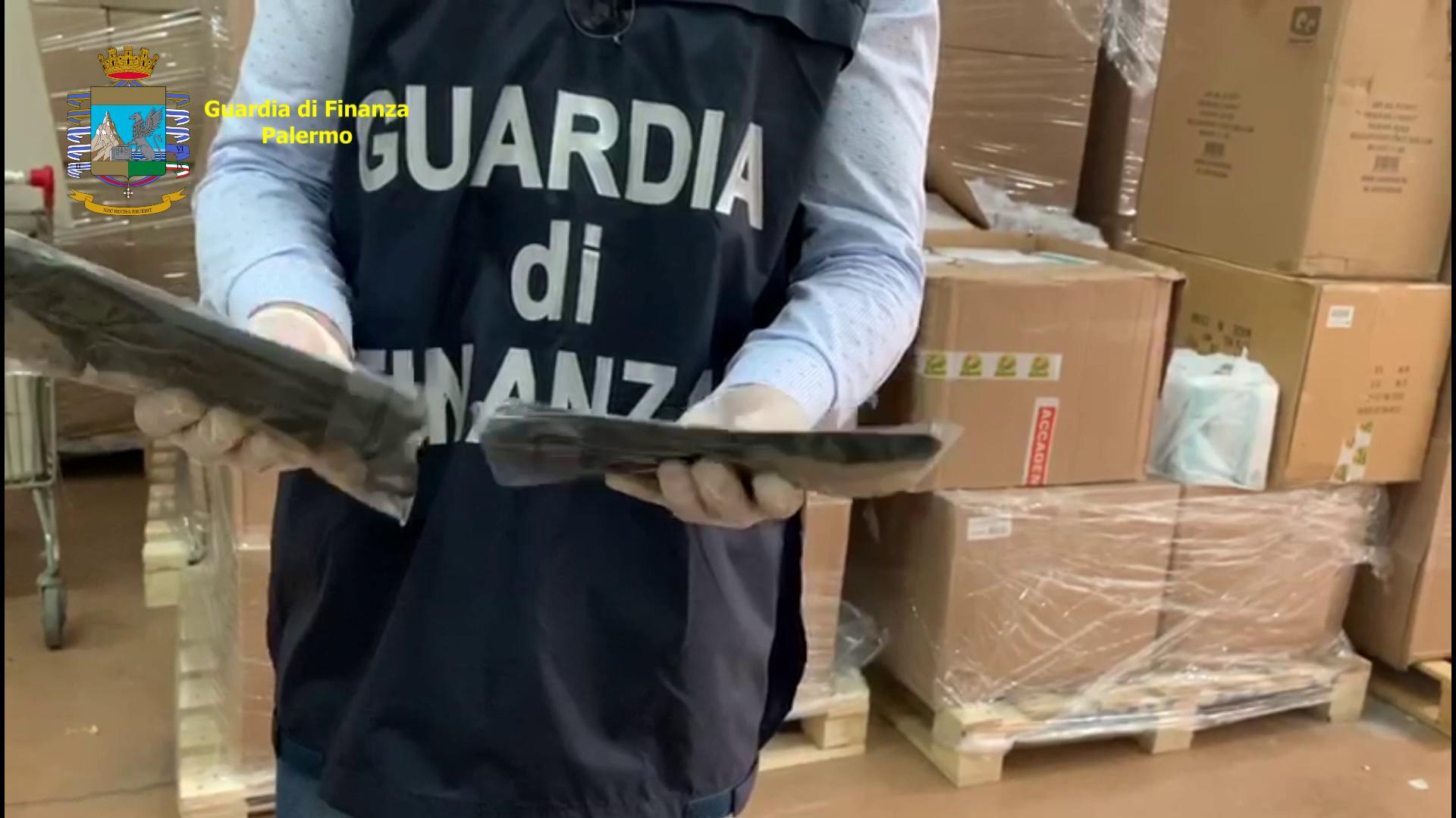 Termini Imerese: Guardia di Finanza sequestra quarantamila mascherine