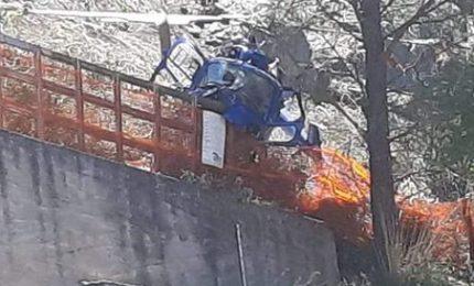 Tragedia sfiorata a Collesano: precipita elicottero, illese le persone a bordo del velivolo [video]