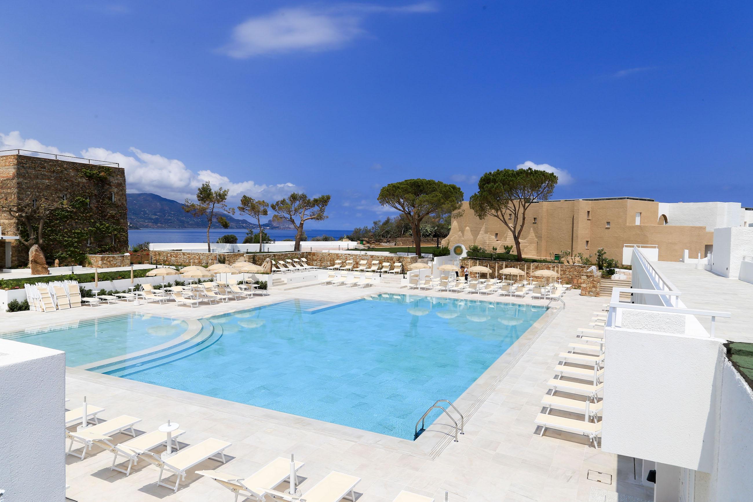 Turismo: partenza col botto per il resort Aeroviaggi di Pollina e Sciacca