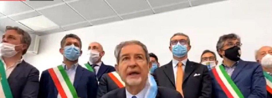 Ripartono i voli per la Sicilia, Musumeci: Governo non garantisce termo scanner negli aeroporti