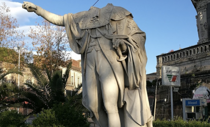 Le statue decapitate